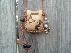 Antelope Skin Leather Medicine Bag with a by ncbeadsnbags on Etsy Leather Accessories, Leather Jewelry, Leather Craft, Beaded Purses, Beaded Bags, Leather Book Covers, Belt Purse, Leather Pouch, Leather Bags