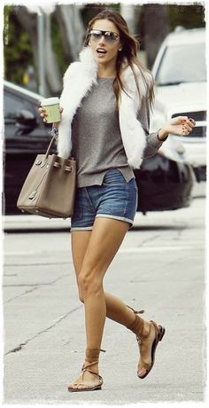 #Alessandra #Ambrosio #Street #Style Snapshot - Leave Home with Sunglasses in a Favorite Summer Sorts