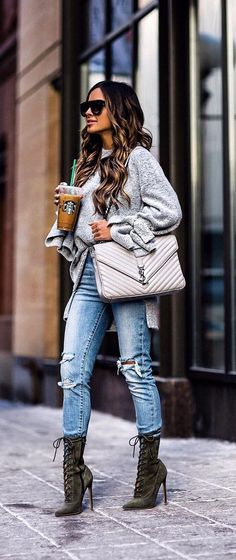 40 Pretty Winter Outfit Ideas - We Should Do This