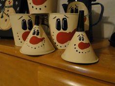 Christmas DIY: oil funnels buckets oil funnels buckets and more now frostys #christmasdiy #christmas #diy