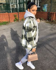 Cute Swag Outfits, Cute Comfy Outfits, Chill Outfits, Retro Outfits, Stylish Outfits, Outfits For Teens, Teenage Girl Outfits, Tomboy Outfits, Teenager Outfits