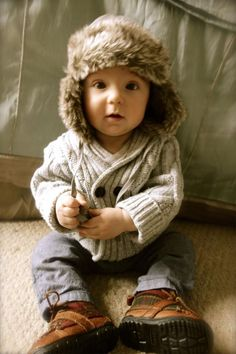So cute...love the hat!!! for my futur little nephew <3