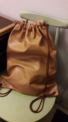 narureppu drawstring backbag