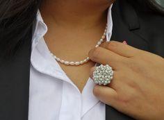 http://www.legalmenteentaco12.com/2012/08/look-de-blusa-blanca.html