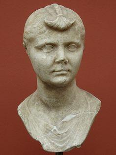 A Roman Lady. Marble. 31 BCE — 14 CE. Inv. No. 1282. Copenhagen, New Carlsberg Glyptotek