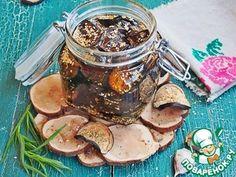 Вяленые баклажаны с кунжутом Вяленые баклажаны можно подавать как закуску, дополнение к гарниру, а масляную заливку всегда можно использовать для маринадов, салатов или пасты.