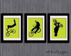 "DIY 8"" x 10"" PRINTABLE ""Bikers"" Set of 3 bmx bikers silhouette Wall art - hmmm...art for T's room?"