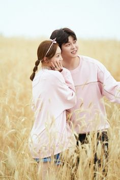 """""""While You Were Sleeping"""" Releases Behind-The-Scenes Stills Of Lee Sung Kyung And Yoon Kyun Sang's Cameo 