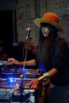 Erykah Badu at Jam Session (www.DFWjamsession...) - Photo Credit: Photos by M Knight