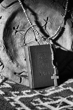Armenian Prayer Armenian Language, Armenian Culture, Eye Base, Bible Covers, Ancient Beauty, Art Thou, Forever Living Products, Prayers, Old Things