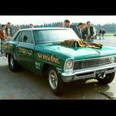 Funny Car Racing, Drag Racing, Funny Cars, Lightning Aircraft, Vintage Race Car, Drag Cars, Vintage Humor, Car Humor, The Good Old Days