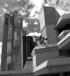 Teresa Carreño y Parque Central. Caracas.