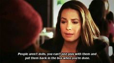 I love holly marie combs