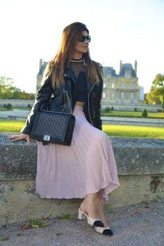 #jupeplisse #pleated #skirt #ootd #streetstyle #wiw #outfit #fashion #mode #moda #trend #tendance #perfecto #casual #chic #chanel #boy #slingback