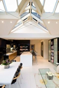 Trombé :: Contemporary Modern Conservatories and Conservatory Design London :: Case Studies - Case 03 Modern Conservatory, Roof Skylight, Outdoor Spaces, Outdoor Decor, Conservatories, Glass Roof, House Extensions, Atrium, Traditional Design