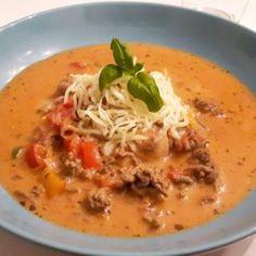 Healthy Soup Recipes, Keto Recipes, Danish Food, Italian Recipes, Tapas, Bacon, Curry, Food And Drink, Veggies