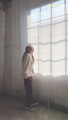 """""""Imagine waking up in the morning and looking at your window to see this view of the literal sunshine"""" Fanfiction Kpop, My Girl, Cool Girl, Mamamoo Moonbyul, Solar Mamamoo, Sanha, Music Covers, Bright Stars, Kpop Aesthetic"""
