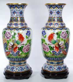 Beautiful Hands, Beautiful Pictures, Traditional Vases, Floor Vases, Flower Frog, Chinese Culture, Floral Motif, Ceramic Art, Metal Working
