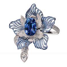 Armband Wit goud en titanium, uitzonderlijke 40 cts natuurlijke Birmese saffier en diamanten