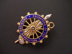 Daughters of the American Revolution ~ DAR ~ 14K ~ Antique Pin