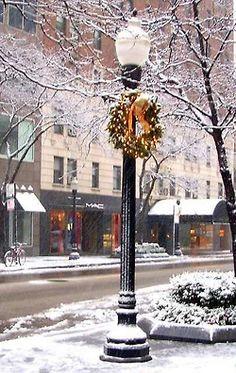 City sidewalks, busy sidewalks, dressed in holiday style...