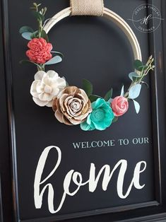 Flower Embroidery Pattern Welcome to our home spring embroidery wreath with sola wood flower decor on a chalk couture chalkboard - Sola Wood Flowers, Paper Flowers, Felt Crafts, Paper Crafts, Chalk Crafts, Chalk Design, Diy Wreath, Wreath Crafts, Chalkboard Art