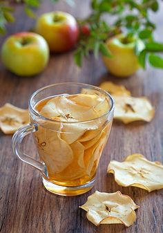 """Tea with apple chips! Hot or cold these dehydrated apple chips give amazing flavor and a great idea for a """"mocktail"""" party! Apple Cider Vinegar Capsules, Organic Apple Cider Vinegar, Apple Tea, Apple Chips, Fruit Tea, Tea Recipes, High Tea, Afternoon Tea, Tea Time"""