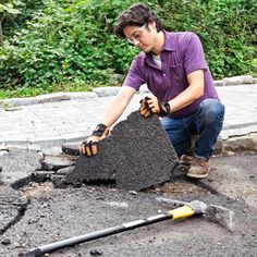 How to Build a Driveway Apron - All About Garden Driveway Apron, Driveway Edging, Diy Driveway, Stone Driveway, Gravel Driveway, Driveway Landscaping, Asphalt Driveway Repair, Asphalt Repair, Building A Garage