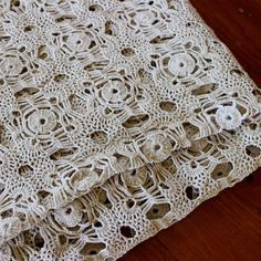 Vintage Lace Tablecloth Crochet Hand Table Cloth Linen by KerryCan