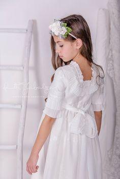 Fotógrafa especialista en bodas espontáneas y naturales, familias, bebés, niños, bautizos y comuniones.