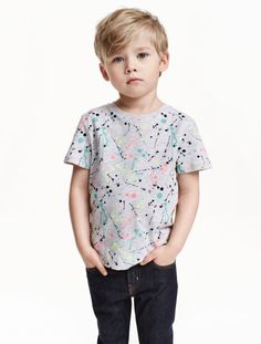 T-shirt with print Boys Hairstyles Trendy, Boy Haircuts Long, Little Boy Hairstyles, Toddler Boy Haircuts, Young Boy Haircuts, Toddler Boy Fashion, Little Boy Fashion, Baby's First Haircut, Trendy Baby Clothes
