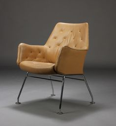 Bruno Mathsson, upholstered in Elmo leather. Produced by Dux, model Mirja