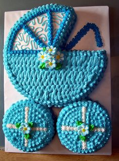 cute baby shower buggy cake!  How easy is this!