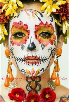 Day of the Dead makeup Halloween Vintage, Halloween Kostüm, Halloween Costumes, Vintage Witch, Sugar Skull Costume, Sugar Skull Makeup, Sugar Skull Face Paint, Day Of Dead Makeup, Day Of Dead