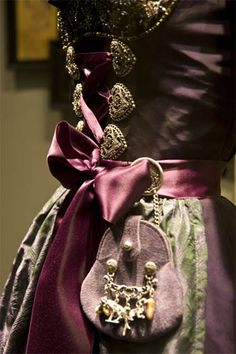 This waist purse would be great for using at concerts to keep your hands and shoulders free. #gothic ~ceranzaa