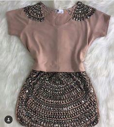 Look Fashion, Diy Fashion, Ideias Fashion, Fashion Dresses, Womens Fashion, Fashion Trends, Mode Outfits, Chic Outfits, Hijab Style Dress