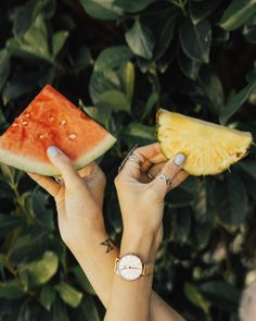 """Just in time for summer fun, visit www.danielwellington.com and use the code """"LMPSMITH"""" to save 15% on your purchase."""