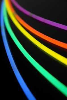 Glow necklaces in an assortment of colors. Pack of Five of each color include orange, green, blue, purple, and yellow. Use as party favors or even for floral designing. Glow Stick Wedding, Glow Stick Party, Glow Sticks, Glow Stick Crafts, Glow Jars, Bright Decor, Save On Crafts, Painted Clothes, Dark Photography