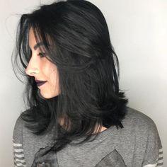 Que corte! Que corde cabelo! Medium Black Hair, Short Brown Hair, Braids For Short Hair, Medium Hair Cuts, Medium Hair Styles, Curly Hair Styles, Langer Bob, Bright Hair, Long Bob Hairstyles