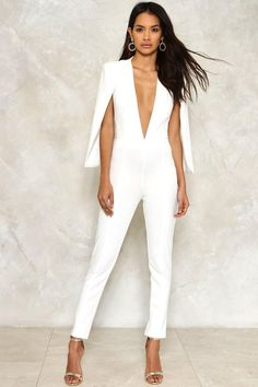 Cape It Together Tailored Jumpsuit Don't fall apart. The Cape it Together Jumpsuit features a plunging neckline, tailored silhouette, cape overlay, and zip closure at back. Looks killer with heels and a dark red lip. Black Girl Fashion, White Fashion, Look Fashion, Fashion Outfits, Womens Fashion, Luxury Fashion, Pastel Outfit, White Outfits, Classy Outfits