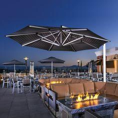Restaurant Design Vintage, Rustic Restaurant Interior, Outdoor Restaurant Design, Architecture Restaurant, Deco Restaurant, Rooftop Restaurant, Vintage Design, Restaurant Specials, Restaurant Ideas