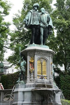 De Kleine Zavel ~ Le petit Sablon, with the statue of Van Egmont and Van Hoorn, who were killed during the Spanish inquisition #brussels #belgium