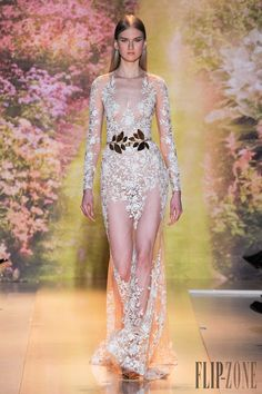 Zuhair Murad Spring-summer 2014 - Couture - http://www.flip-zone.net/fashion/couture-1/fashion-houses/zuhair-murad-4460 - ©PixelFormula
