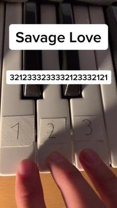 Piano Sheet Music Letters, Piano Music Easy, Piano Music Notes, Good Vibe Songs, Mood Songs, Piano Lessons, Music Lessons, The Piano, Cool Music Videos