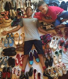 """heyfranhey: """" Holds Sneaker Drive To Make Sure His Classmates Have Fresh Kicks For School Blavity writes: When Zaire Downs saw one of his classmates being bullied for not having nice. 13 Year Old Boys, Fresh Kicks, 13 Year Olds, African American History, Black People, Pop Culture, Tory Burch, Hold On, Product Launch"""