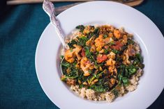 Cauliflower, Kale, and Lentil Ragout Veggie Meals, Veggie Recipes, New Recipes, Healthy Recipes, Ragout Recipe, Kale And Spinach, Winter Recipes, Main Courses, Lunches And Dinners