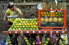 Juice Cart Pune India by CHRISTOPHER MACSURAK, via Flickr