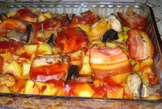 Cartofi la cuptor cu ciuperci si kaizer Romanian Food, Romanian Recipes, European Dishes, Hawaiian Pizza, French Toast, Lunch, Breakfast, Pork, Morning Coffee