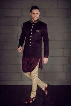 Shop online for indo western wear for men including indo western kurtas with jacket, jodhpuri suits, sherwanis, achkan, angrakha kurtas & other dresses. Sherwani Groom, Wedding Sherwani, Punjabi Wedding, Mens Kurta Designs, Wedding Dress Men, Wedding Suits, Wedding Men, Farm Wedding, Wedding Couples