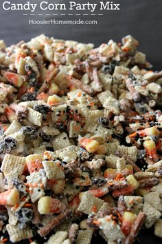Whip up this fun Halloween Treat in about 15 minutes! Kids and adults will love this Candy Corn Party Mix! Pin it to your Halloween Board! -- Brought to you by Baja Mamas Party Potions - Tucson AZ Fun Halloween Treats, Halloween Goodies, Halloween Desserts, Halloween Trail Mix Recipe, Halloween Popcorn, Halloween Check Mix, Halloween Vergnügen, Halloween Appetizers For Adults, Halloween Baking